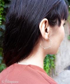 Créoles Ysée en argent garanti. Boucles d'oreilles qui résistent au quotidien.